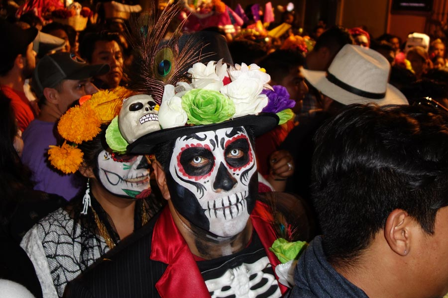 day of the dead parade in Oaxaca