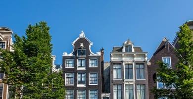 backpacking-amsterdam-skyline-road-affair