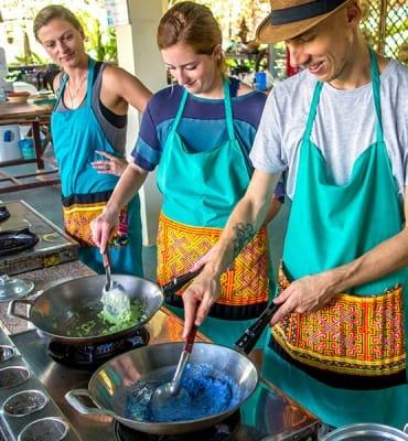 Mama Noi Thai Cookery School: Cooking Mango Sticky Rice