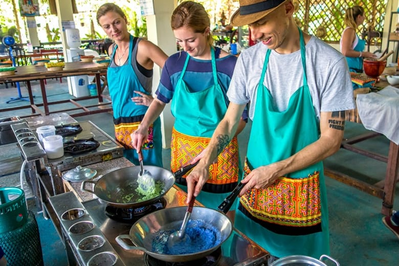 Mama Noi Thai Cookery School: Cooking Mango Sticky Rice