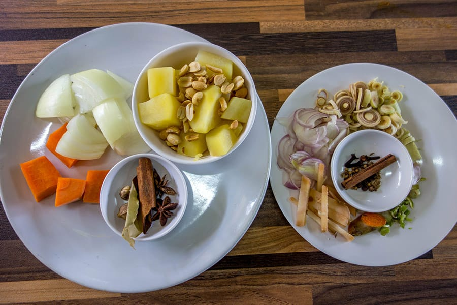 Mama Noi Thai Cookery School: Ingredients for Massaman Curry (Gang Massaman)