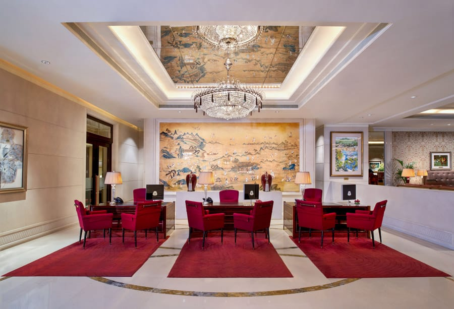 Lobby Reception at The St Regis Singapore. Image Credit: © The St Regis Singapore