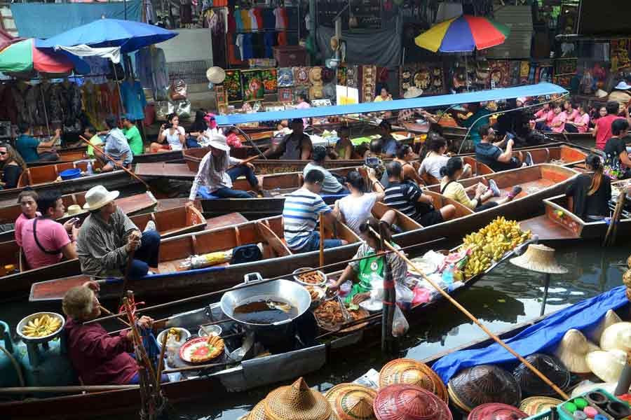 Amphawa Floating Market in Thailand