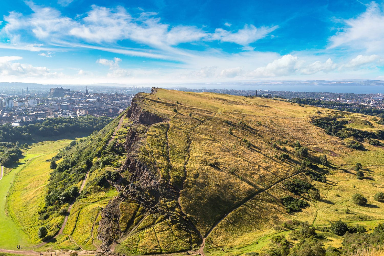 Cityscape of Edinburgh from Arthur's Seat in a beautiful summer day, Scotland, United Kingdom
