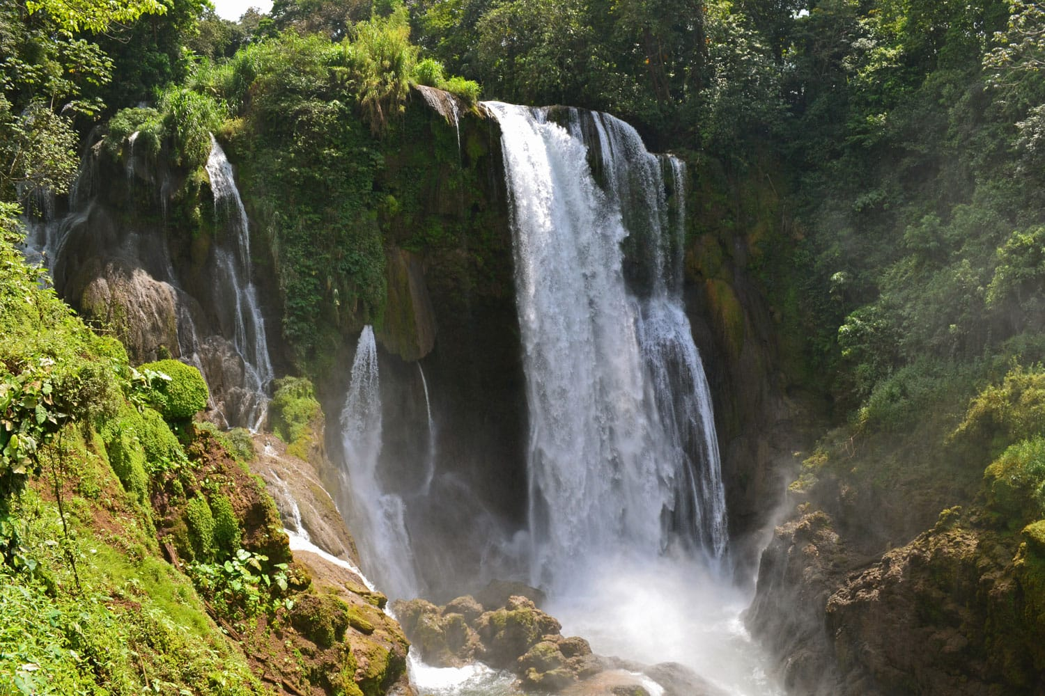 Pulhapanzak waterfall in Honduras