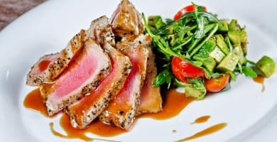 Roasted tuna with grilled vegetables