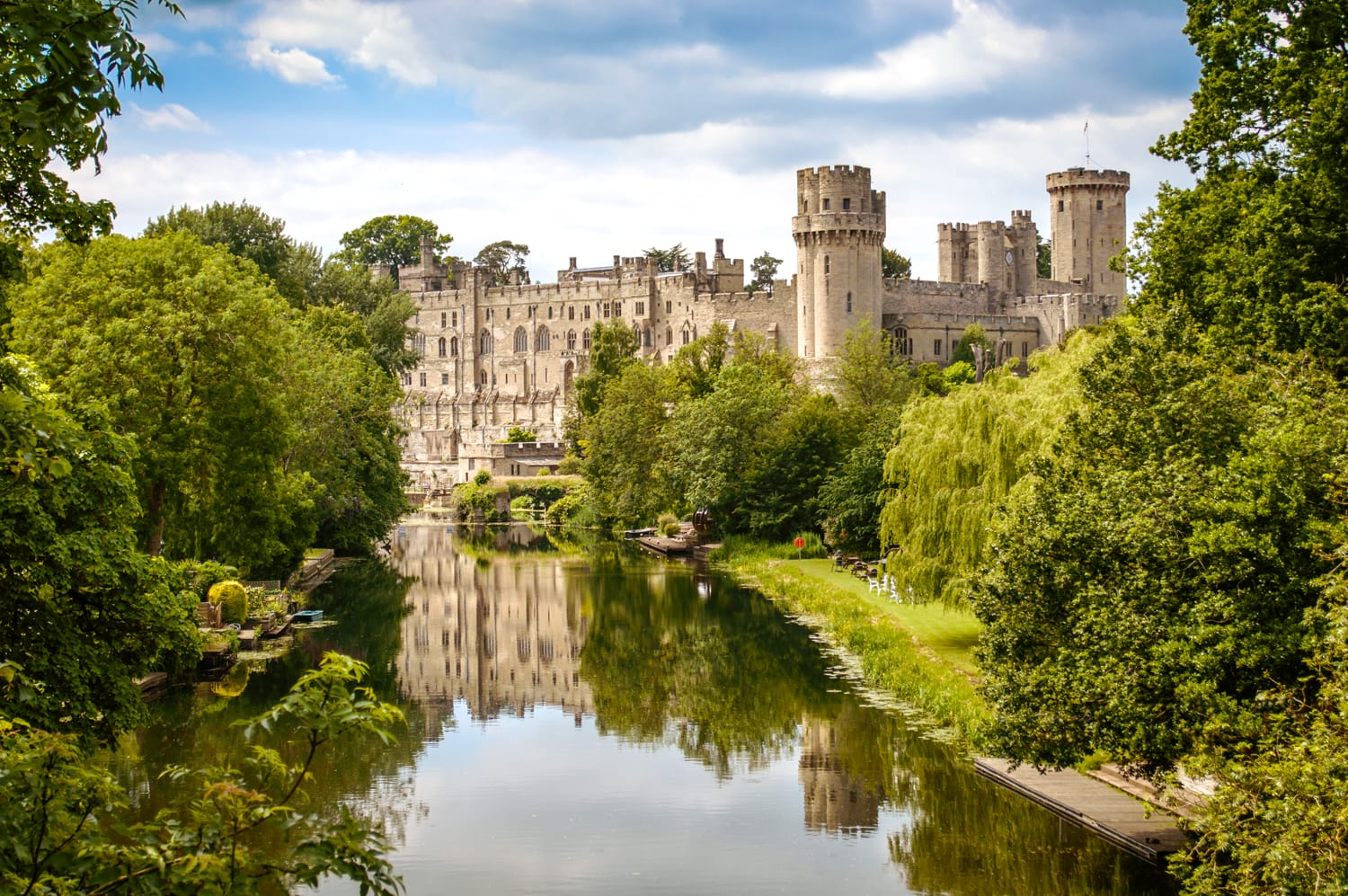 "castles in england essay Top 10 fascinating facts about castles ryan thomas may 27, 2012 share 260 stumble 80 tweet pin 122 +1 5 share 8  fact: there are 1500 castle sites in england this is according to the castellarium anglicanum which is supposed to be the ultimate authority on castles in england and wales note the intentional use of the term ""site."