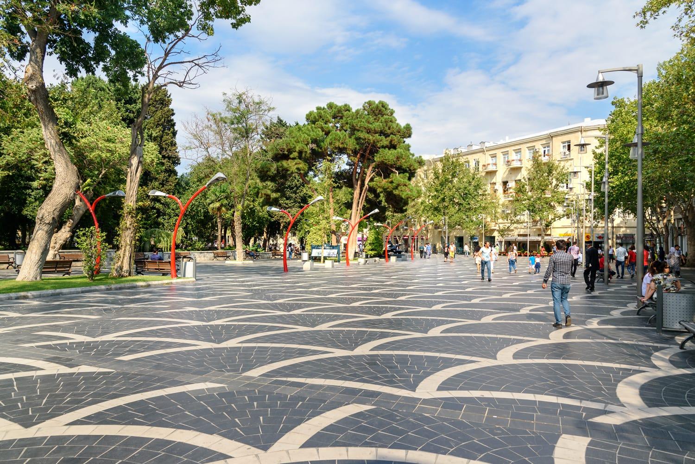 Fountain square in center of Baku