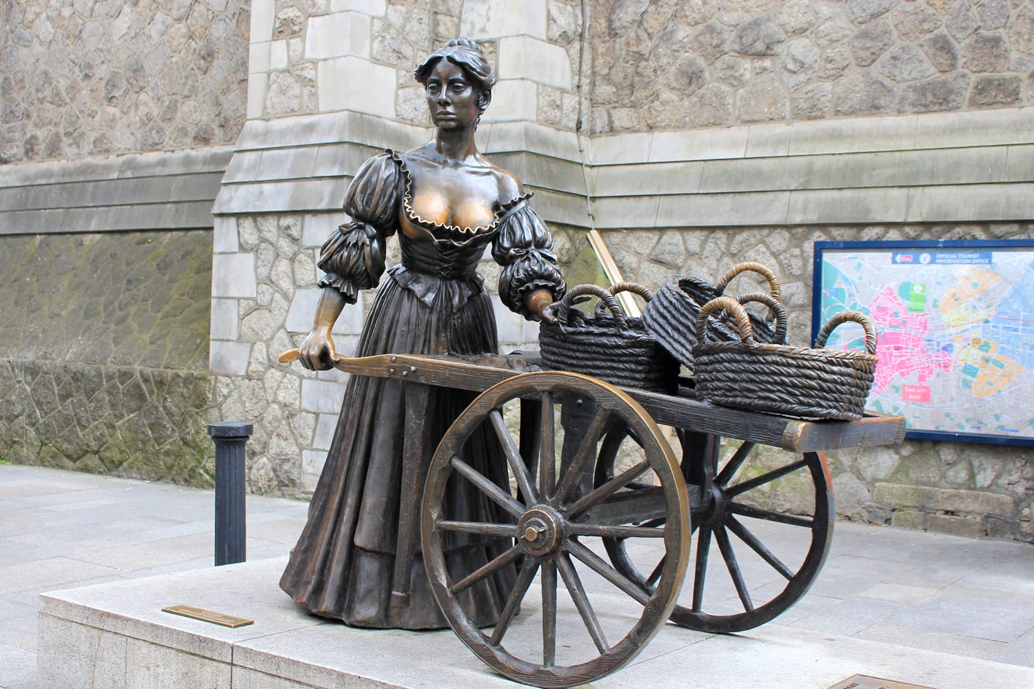 Molly Malone Statue in Dublin, Ireland