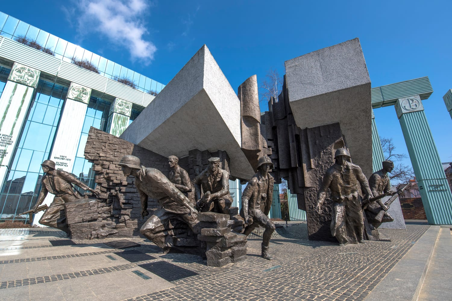 Monument to the Warsaw Rising dedicated to Warsaw Uprising in 1944 against the Nazi occupiers. This striking bronze tableau depicts Armia Krajowa fighters.