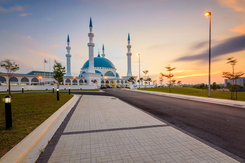 Bandar Dato Onn Mosque Building during sunset in Johor Bahru, Malaysia
