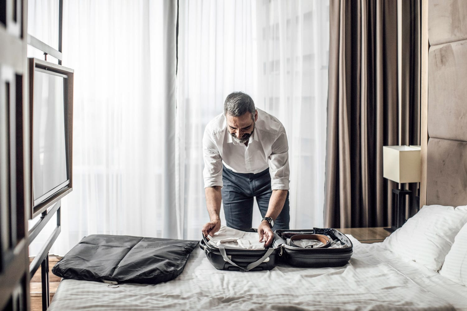 10 Best Travel Garment Bags for Suits and Dresses (2020 ... - photo#41