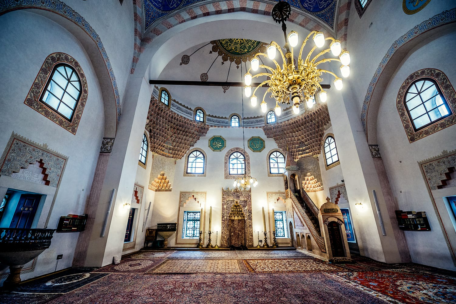 Interior of 16th century Ottoman style Gazi Husrev-beg Mosque located at Bascarsija area in Sarajevo, Bosnia and Herzegovina