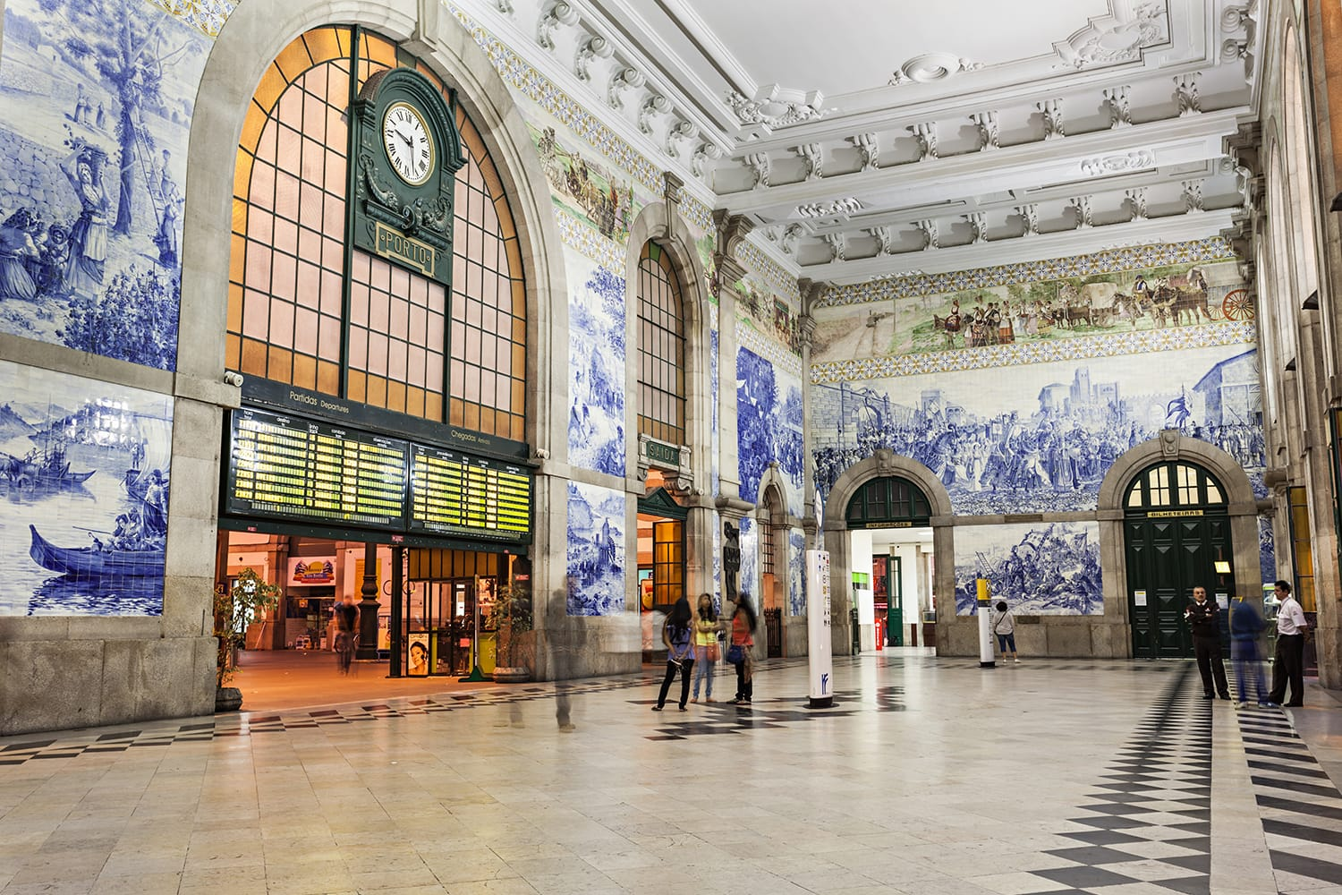 Sao Bento Railway Station in Porto, Portugal