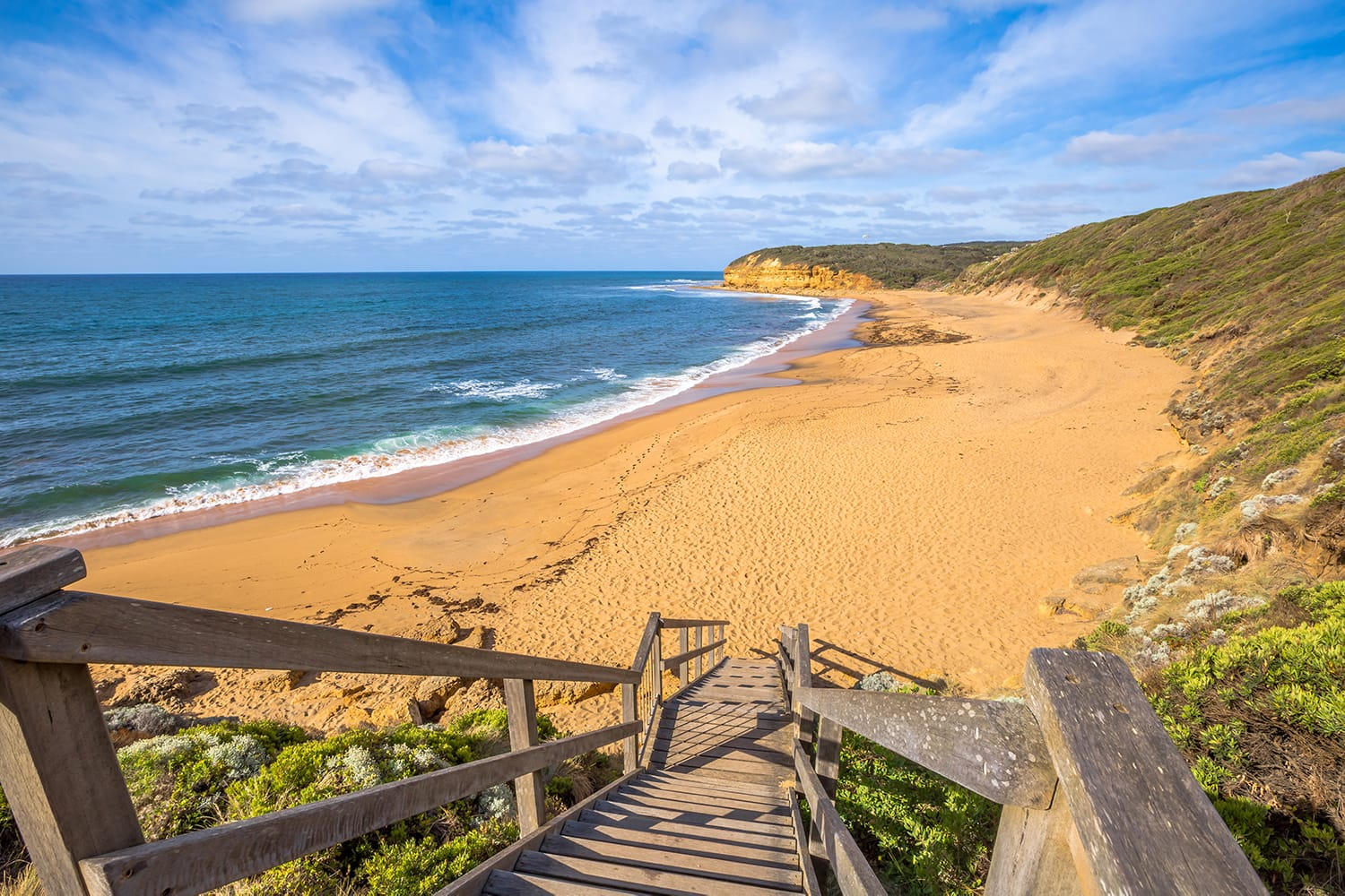 The legendary Bells Beach of the movie Point Break, near Torquay, gateway to the Surf Coast of Victoria, Australia