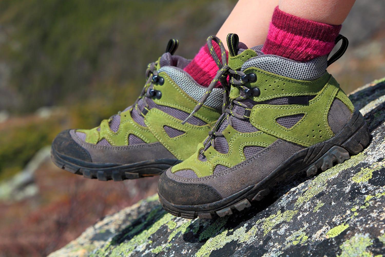10 Best Hiking Socks of 2020 | Road Affair