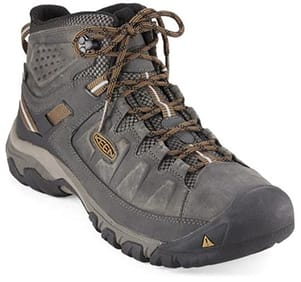 f4974976c44 10 Best Hiking Boots for Men & Women in 2019 | Road Affair
