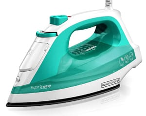 BLACK+DECKER Light 'N Easy Compact Steam Iron