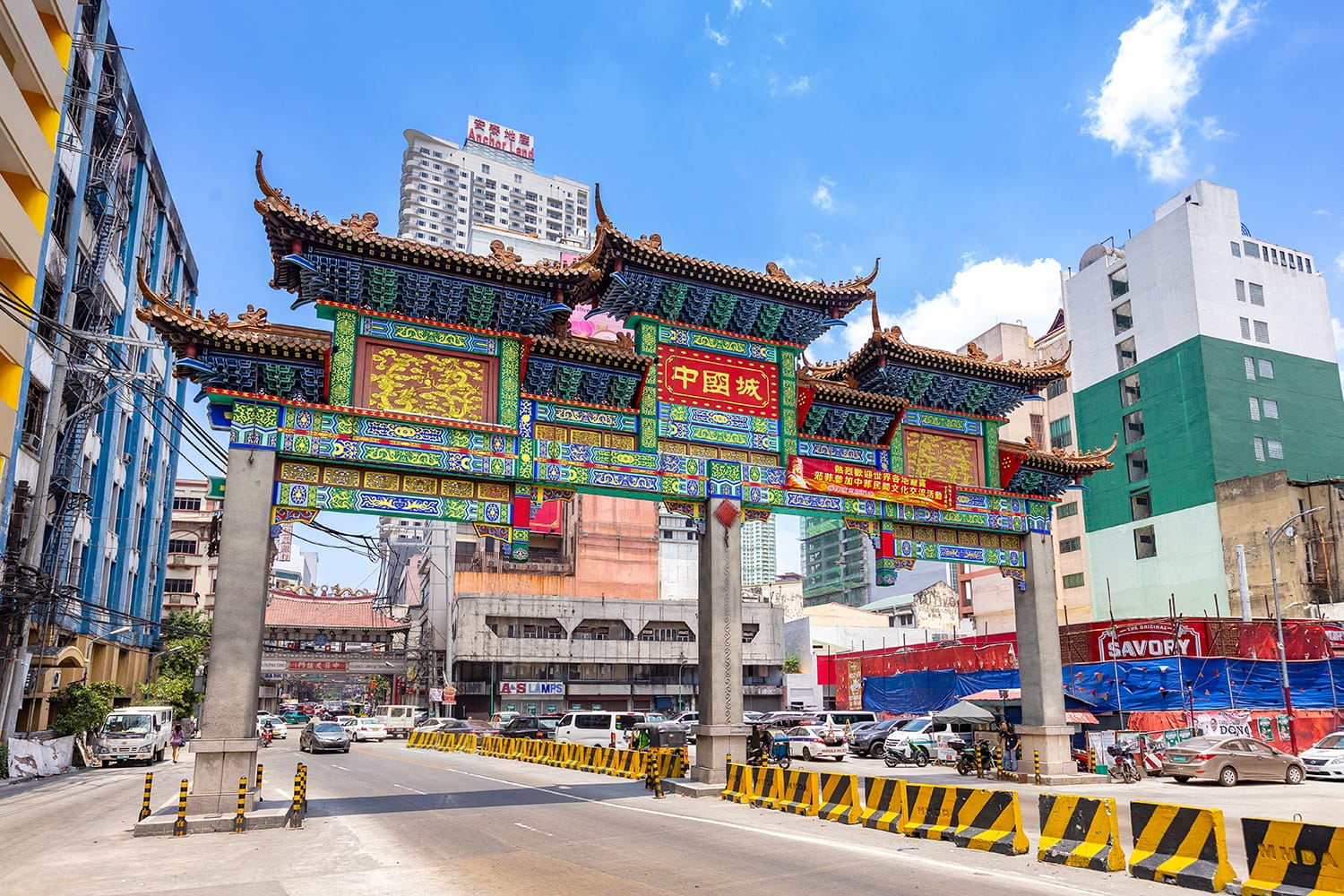 The largest chinatown arch of the world in Manila, Philippines