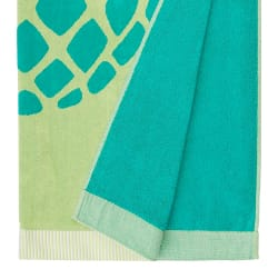 AmazonBasics Oversized Premium Beach Towel