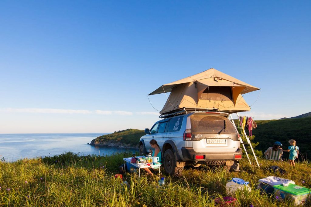 Rooftop tent on car