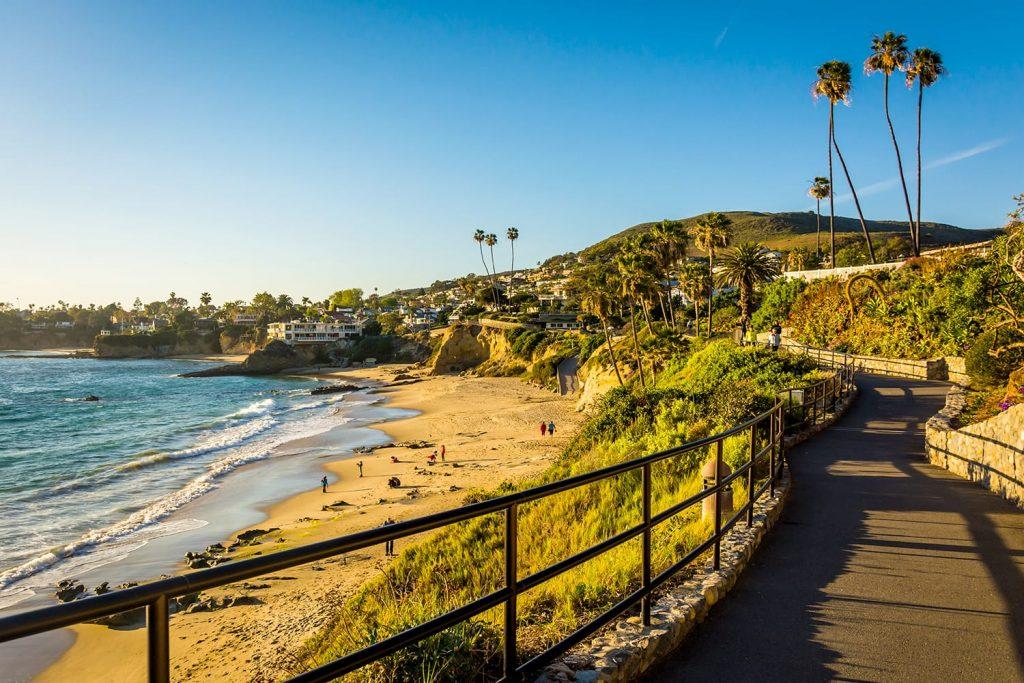 Walkway and view of the Pacific Ocean at Heisler Park, in Laguna Beach, California, USA