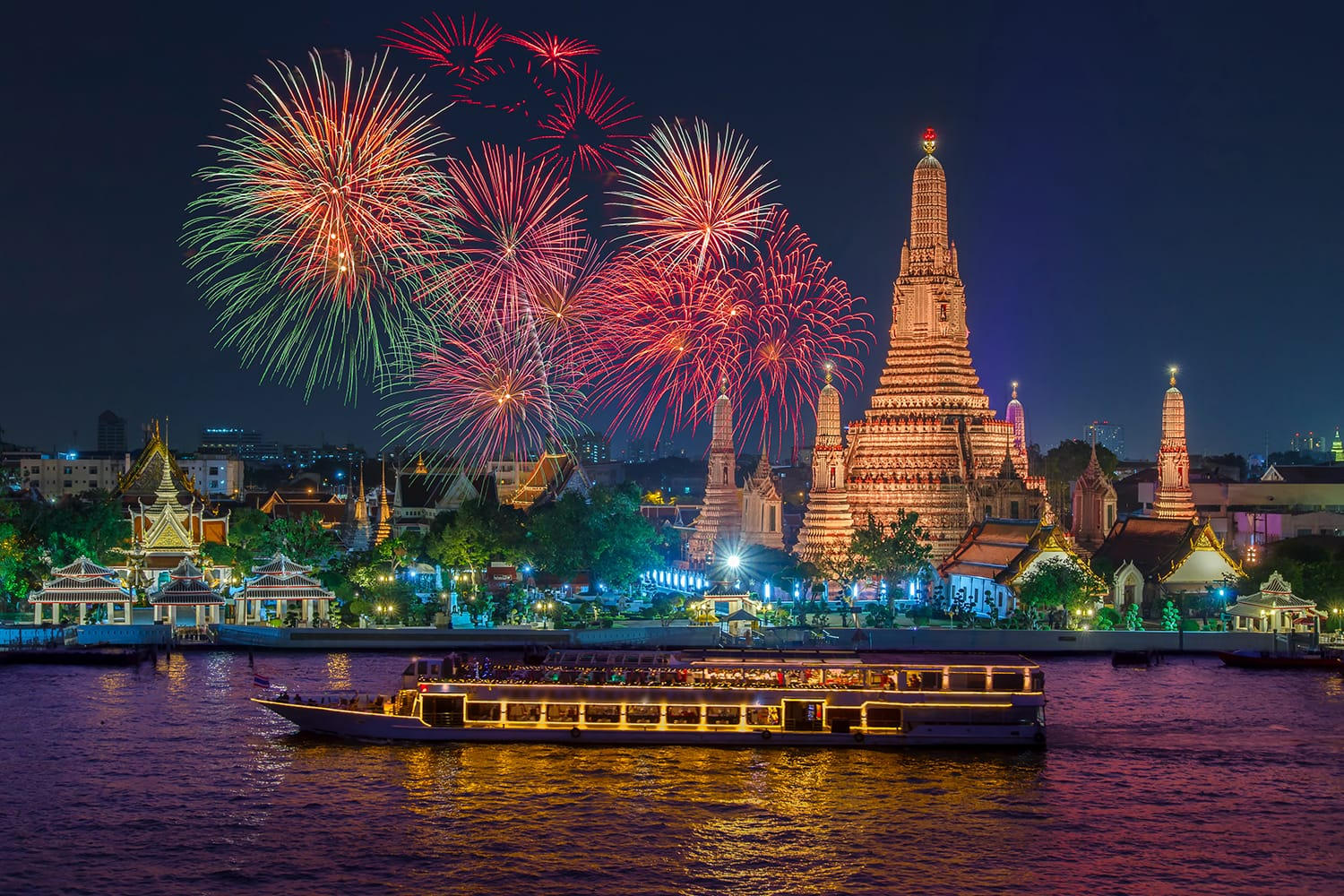 Fireworks on New Years Eve in front of Wat Arun in Bangkok, Thailand
