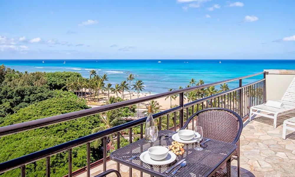 Beautiful view from an Airbnb in Honolulu, Hawaii