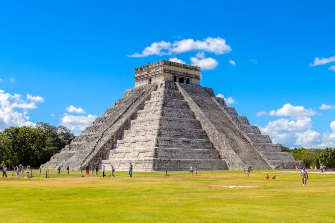 El Castillo (Temple of Kukulcan), a Mesoamerican step-pyramid, Chichen Itza, Mexico