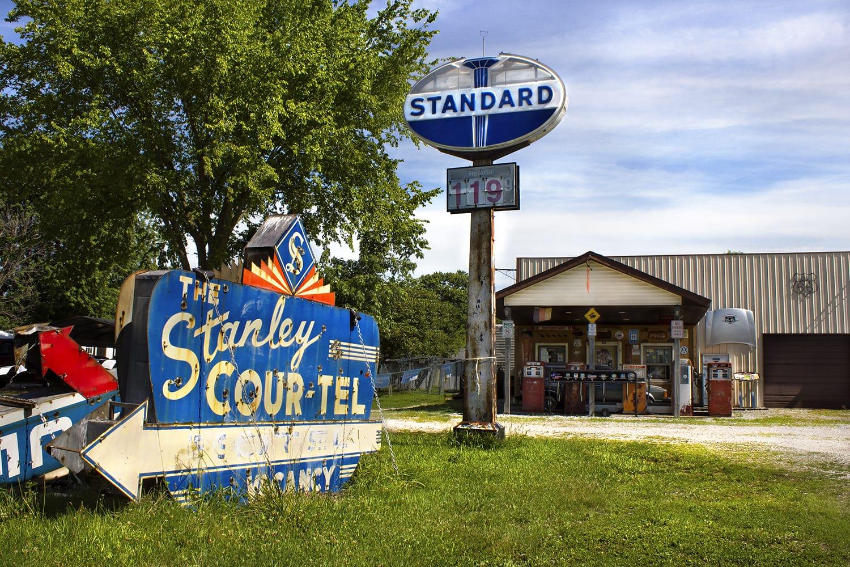 Henry's Rabbit Ranch on Route 66 in Staunton, Illinois