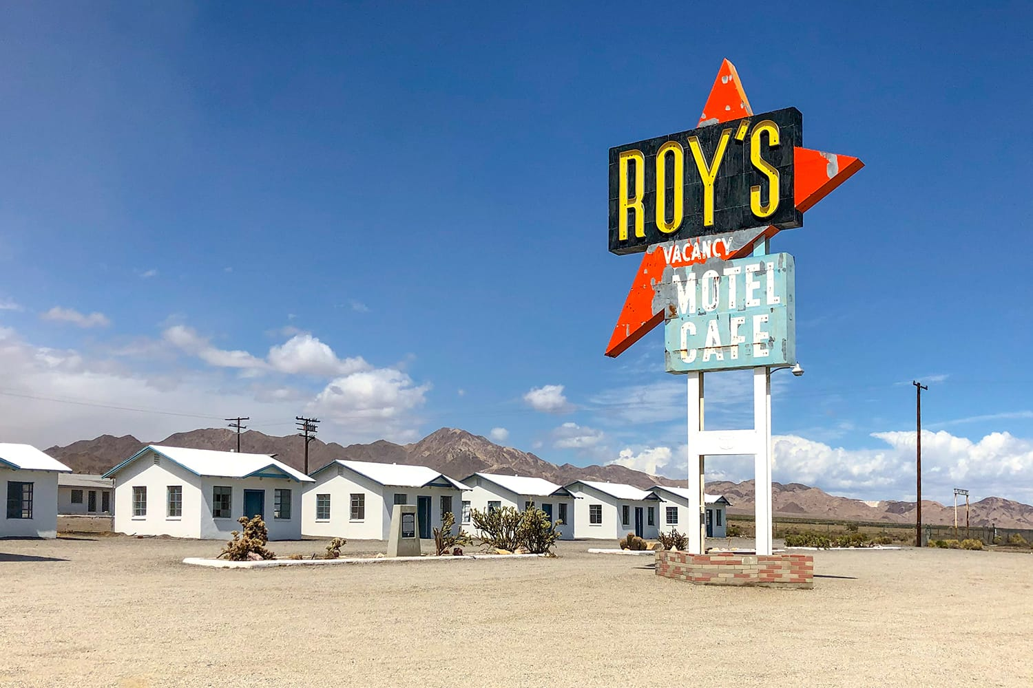 Legendary Roy's Motel and Cafe in Amboy, California, USA