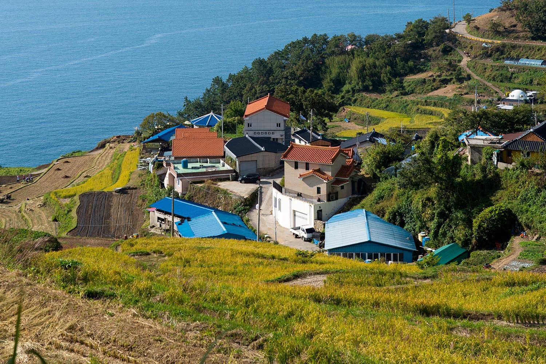 Gacheon Darangee/Daraengi Village house with sea view and rice paddies at Namhae, South Korea