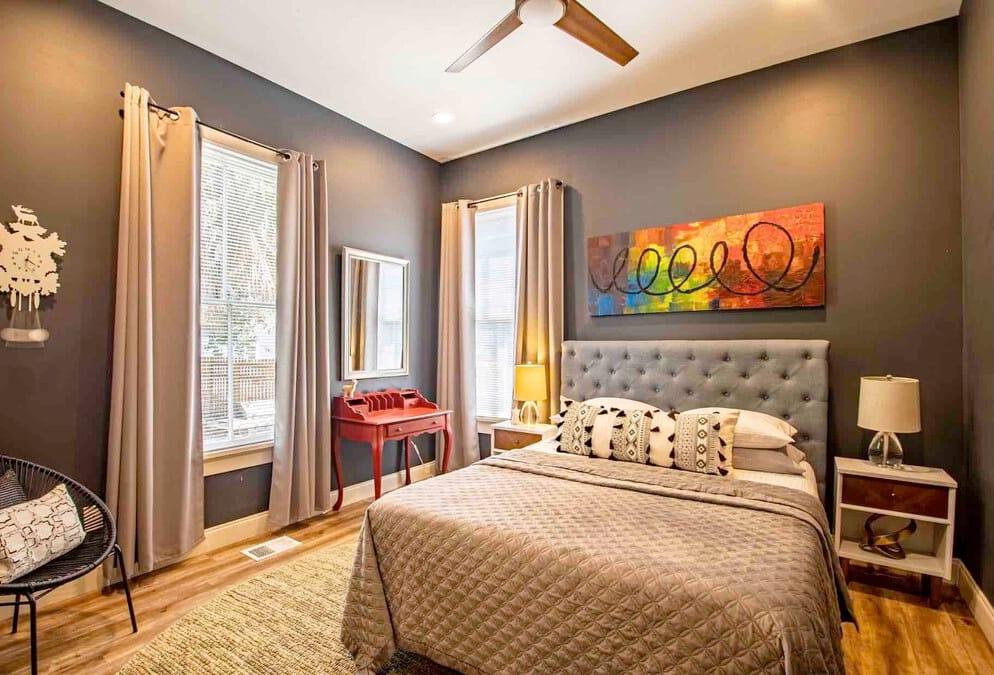 Llama Lounge Airbnb in Jacksonville, Florida, USA