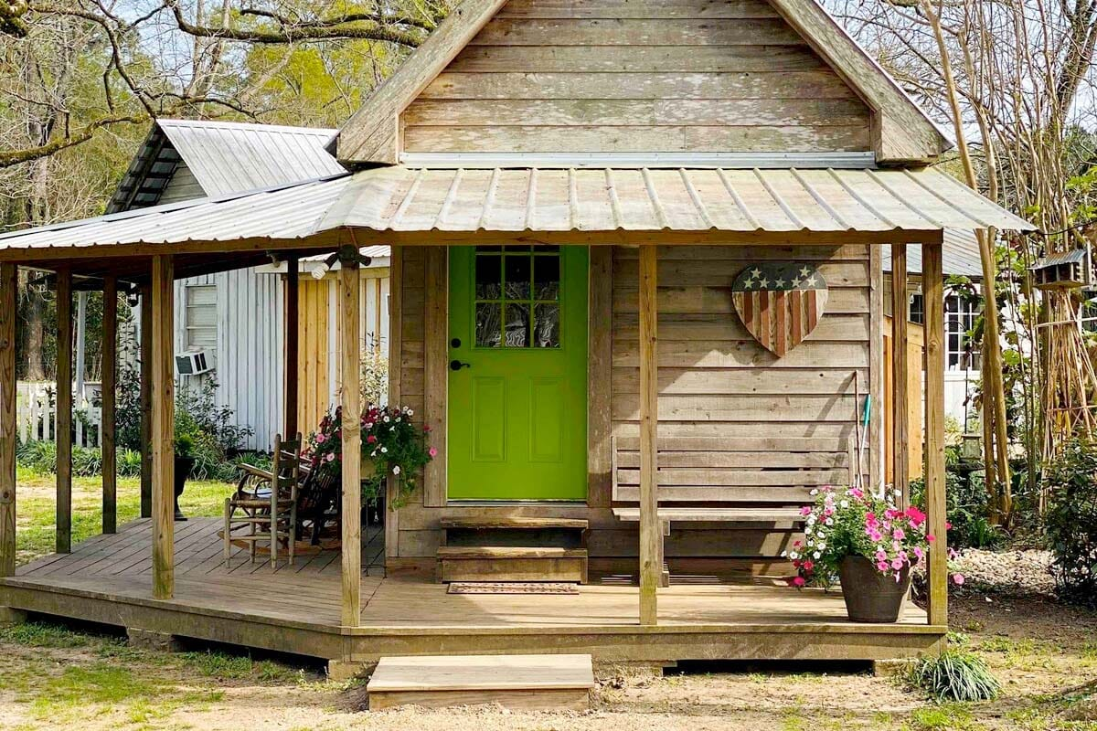 Tiny House Airbnb in Mississippi, USA