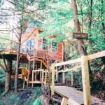 Treehouse Airbnb in Kentucky, USA