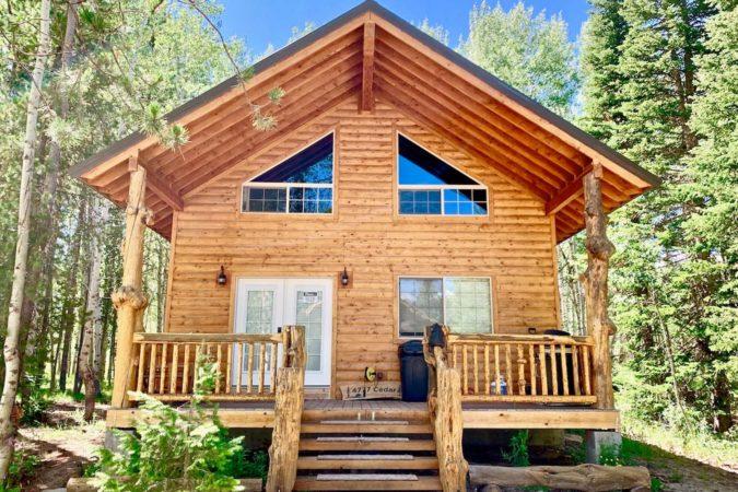Airbnb Cabin Rental in Idaho, USA