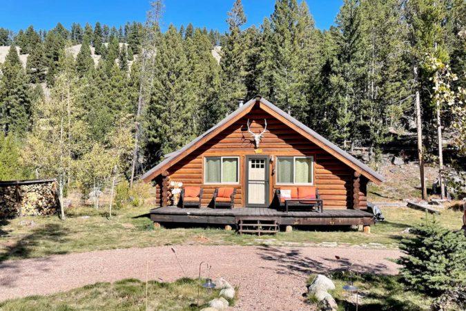 Beautiful Airbnb Cabin in Montana, USA