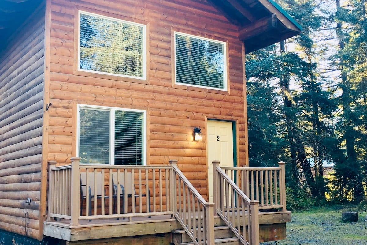 Cabin rental in Alaska, USA