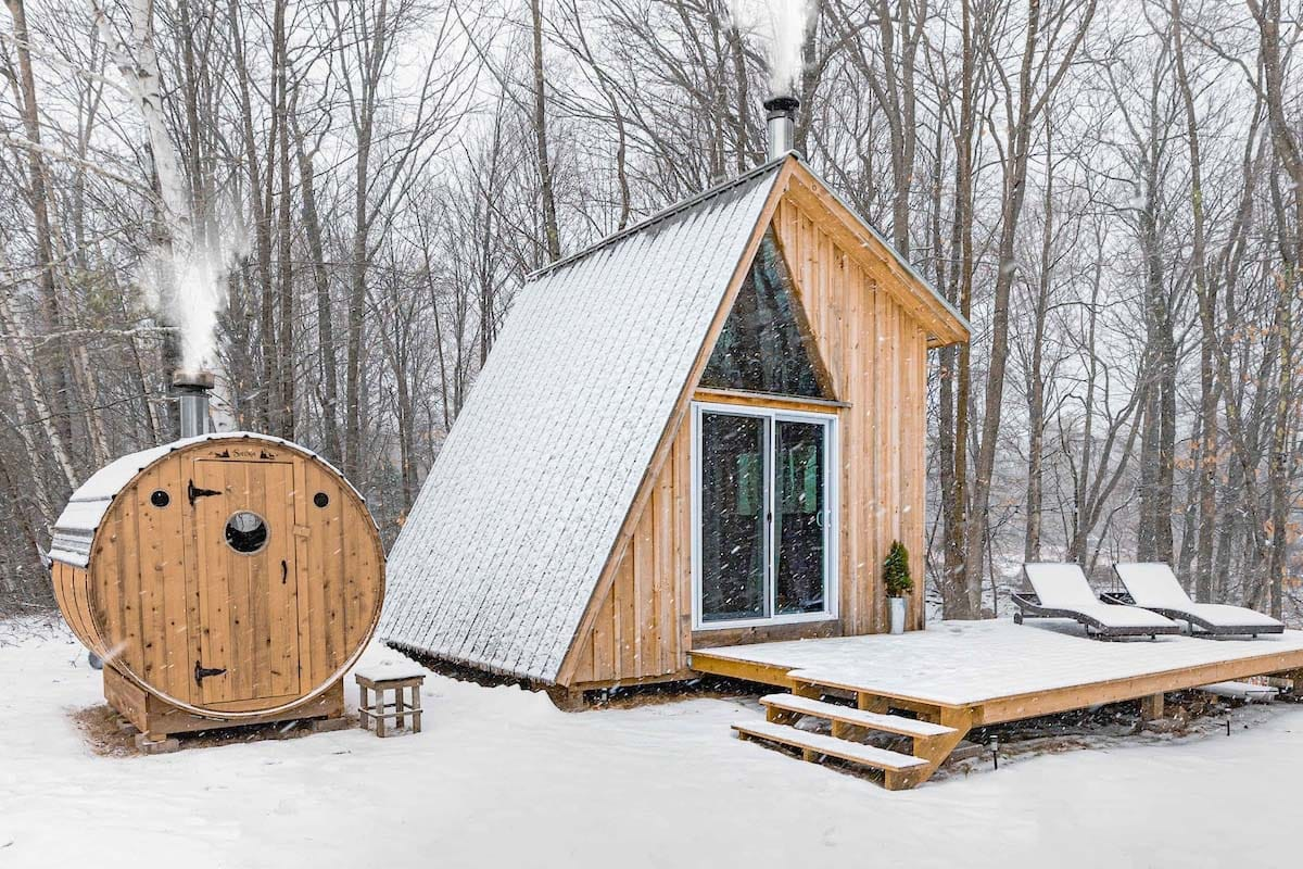 G Frame Airbnb Cabin in New Hampshire, USA