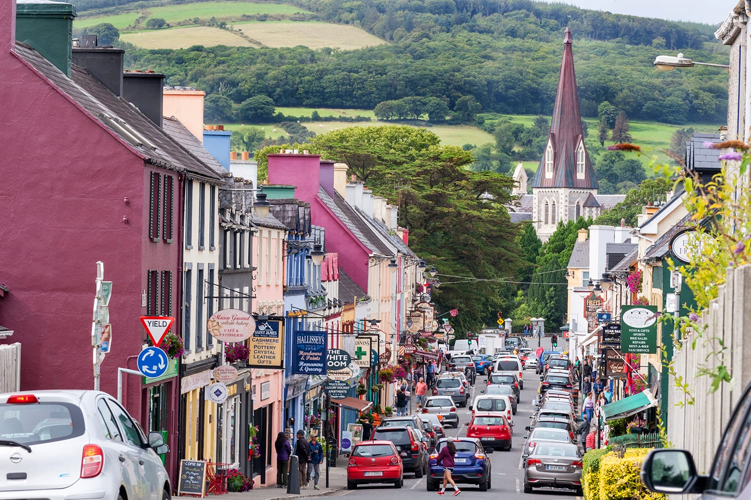 Pubs, bars and restaurant on Henry street in the tourist destination town of Kenmare, Ireland
