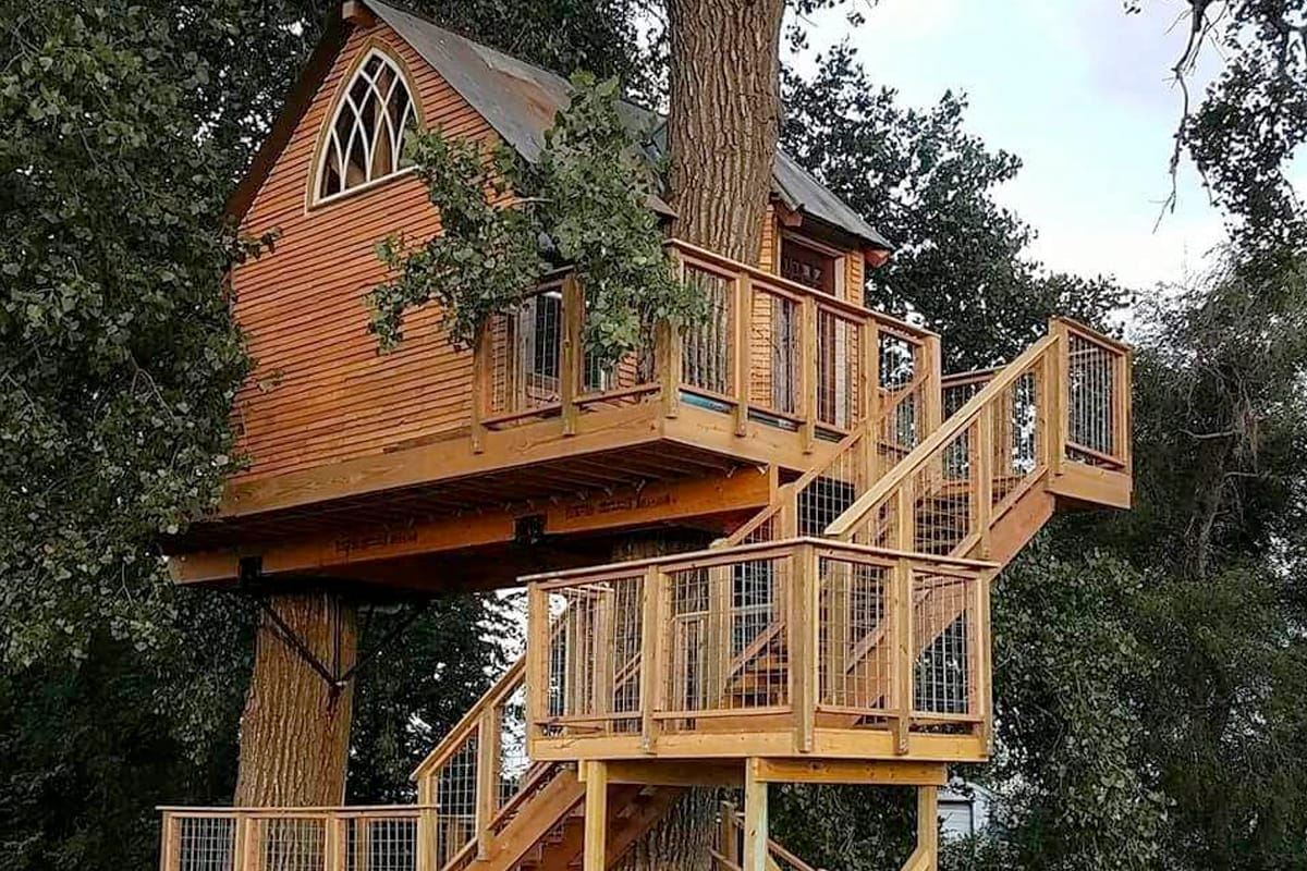 Treehouse Airbnb in Nebraska, USA
